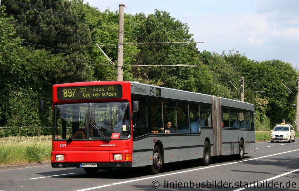 rheinbahn 8229 d 8229 aufgenommen an der messe d sseldorf am 13 linienbusbilder. Black Bedroom Furniture Sets. Home Design Ideas