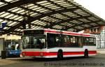 MAN Niederflurbus 1. Generation/176537/vestische-2718-ist-einer-der-aeltesten Vestische 2718 ist einer der ältesten Busse im Fuhrpark der Vestischen. Aufgenommen am HBF Recklinghausen, 18.1.2012