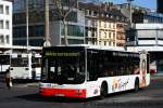 man-niederflurbus-3-generation-lions-city/150008/sw-bonn-0501-mit-werbung-fuer SW Bonn 0501 mit Werbung für Küpper. Aufgenommen am HBF Bonn, 2.4.2011