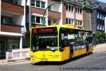 mercedes-benz-o-530-i-citaro/162993/evag-4025-mit-werbung-fuer-vwaaufgenommen EVAG 4025 mit Werbung für VWA. Aufgenommen am Werdener Markt, 30.5.2011.