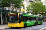 mercedes-benz-o-530-ii-citaro-facelift/169352/bremerhaven-bus-0725-mit-sehr-gruener Bremerhaven Bus 0725 mit sehr Grüner Werbung für Pro Natur. Aufgenommen in Bremerhaven Stadtmitte, 30.7.2011.