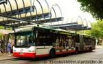 neoplan-n-44-serie-centroliner/175090/bogestra-0264-macht-meisterlich-werbung-fuer Bogestra 0264 macht Meisterlich Werbung für das Handwerk. Aufgenommen am HBF Bochum, 8.10.2011.